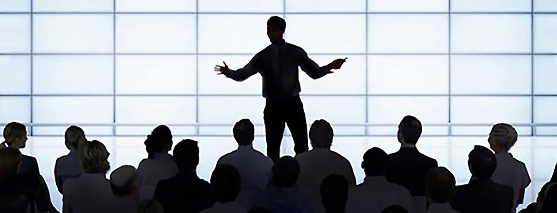 ۵ تئوری رهبری سازمان و روش به کارگیری آنها